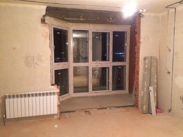 Соединить лоджию +с комнатой снос стены на лоджию.